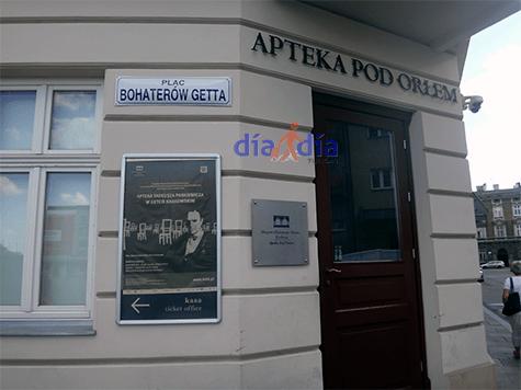 Farmacia contigua al Ghetto de Varsovia. Sus dueños ayudaron a entrar comida y provisiones durante esa época