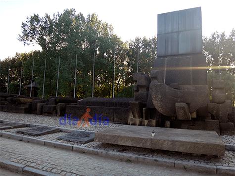 Monumentos dentro del campo de concentración y exterminio Auschwiz-Birkenau
