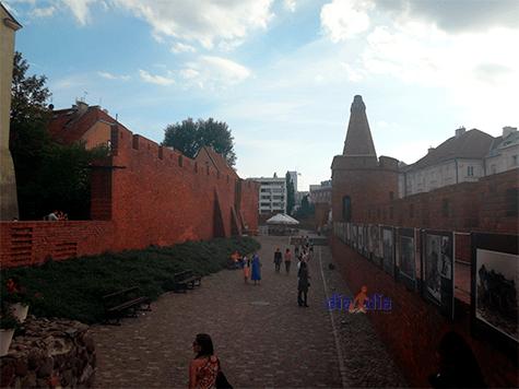Muestra en la barbacana de Varsovia