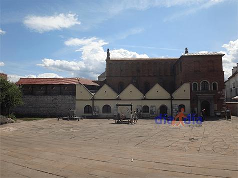 Sinagoga vieja de Cracovia por afuera